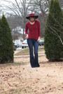 Blue-flared-express-jeans-crimson-wide-brim-hat-crimson-sweater
