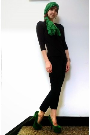green sparkly Liliana shoes - green unbranded scarf - black pants