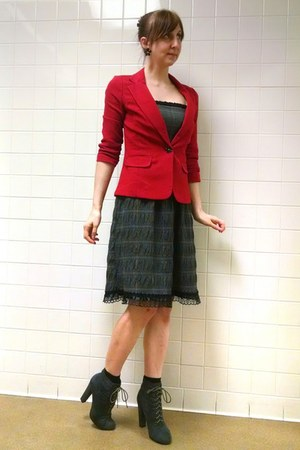 gray plaid dress - gray boots - red blazer