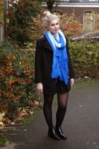 blue Lanas Sieraden necklace - black H&M boots - black H&M coat