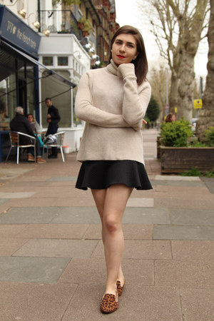 neutral Zara sweater - black Zara skirt