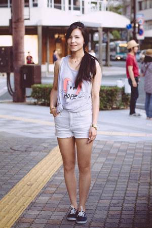 Pakita Clamores top - EMODA bag - SLY shorts - Michael Kors watch