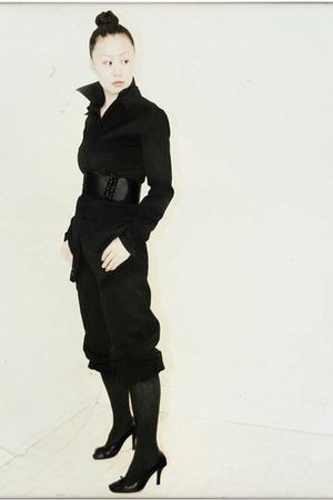 black DKNY shirt