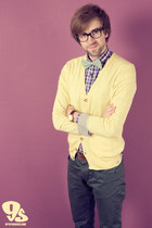 deep purple Matinique shirt - light yellow Matinique cardigan