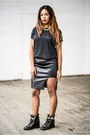 Black-atmosphere-t-shirt-black-staffbymaff-skirt