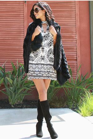 black UrbanOG boots - ivory UrbanOG dress