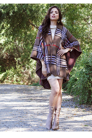 off white UrbanOG dress - light brown UrbanOG cape