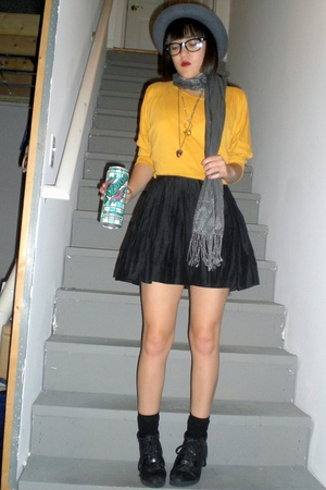 cutoff shirt of my mums shirt - Forever21 skirt - thrifted shoes - Forever21 hat