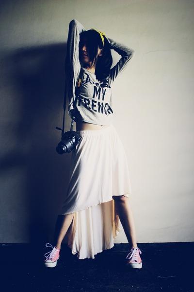 Magnolia skirt - scarf - Converse sneakers - Magnolia t-shirt