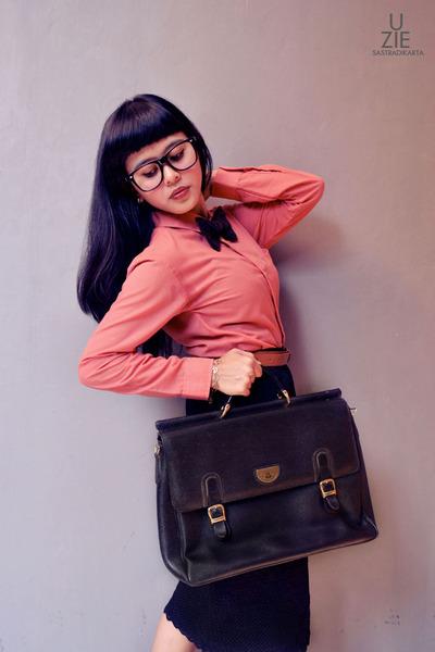 my daddy bag - DIY tie - H&M t-shirt - My Kitty Tokyo skirt - Ray Ban glasses