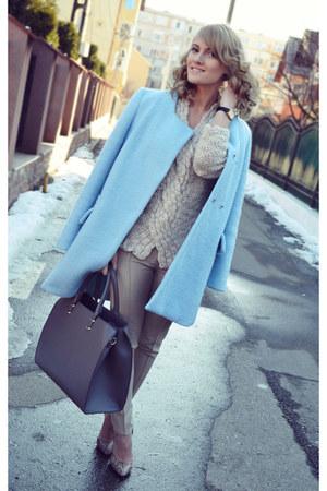 Zara coat - Burberry sweater - H&M bag - Lashez pants - depurtatro heels