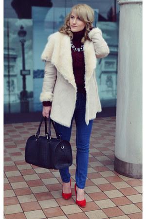 Stradivarius coat - H&M jeans - c&a sweater - Bershka bag - depurtatro heels