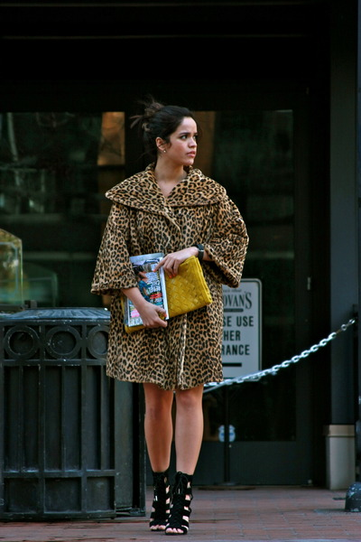 vintage coat - Forever 21 wallet - calvin klein shoes