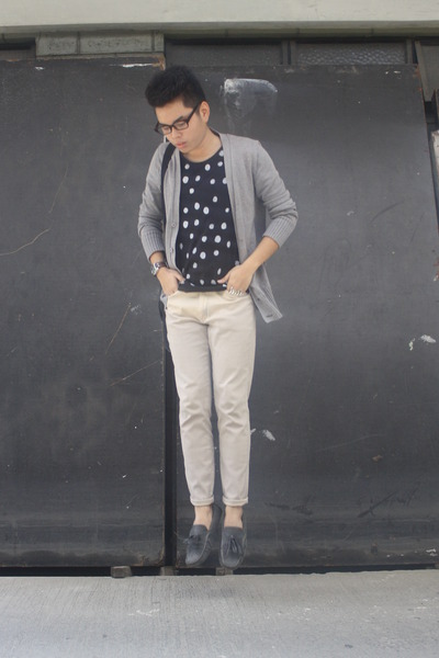 bench cardigan - polka dots Oxygen shirt - beige chinos SM pants