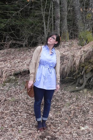 navy skinny Levis jeans - light blue dress American Apparel shirt - camel satche