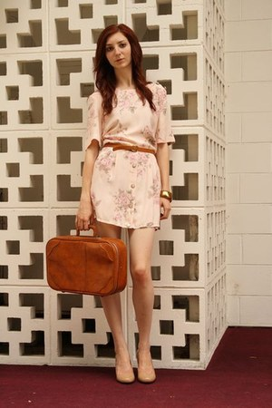 light pink floral dress vintage dress - brown vintage bag