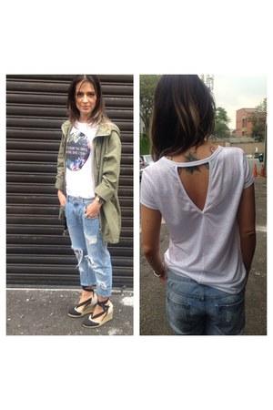 boyfriend jeans Zara jeans - Stradivarius t-shirt - JustFab wedges