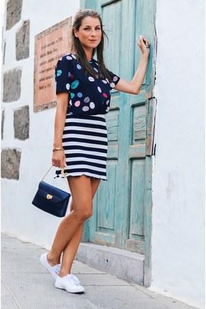 navy striped skirt skirt - deep purple leather clutch bag