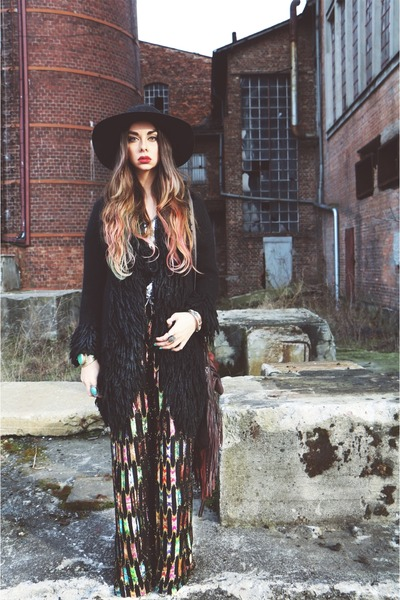 vintage coat - black Catarzi hat - asos pants