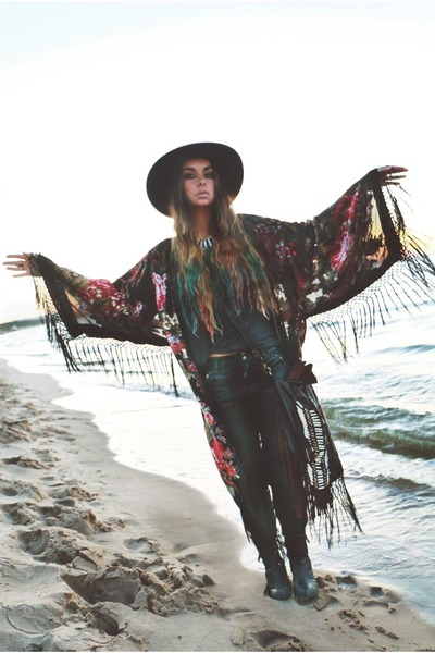 Catarzi hat - Spell and the Gypsy bag - free people pants
