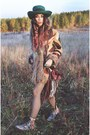 Vintage-floral-dr-martens-boots-vintage-inn-sopot-hat