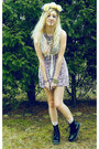 Black-dr-martens-boots-pink-dress-ivory-vest-peach-necklace