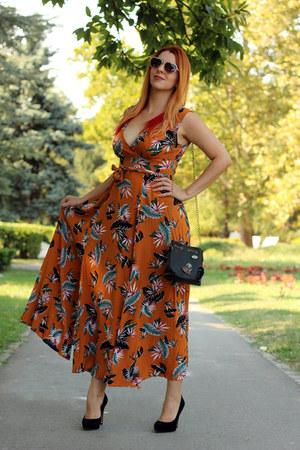 orange zaful dress - heart Emblem Eyewear sunglasses - black Bata heels