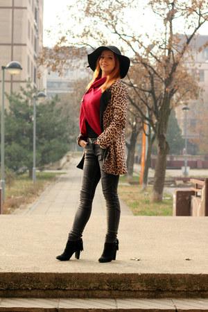 Popjulia coat - Popjulia sweater - AmiClubWear heels