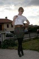 LesCopains skirt - momsaysno t-shirt -  boots