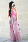 White-necklace-pink-top-light-purple-skirt