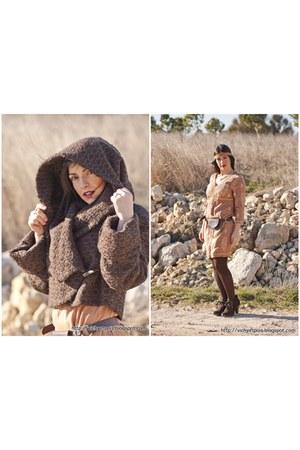 Cortefiel boots - Zara dress - Zara old coat - Stradivarius belt - Zara accessor