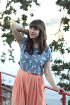 salmon vintage skirt - sky blue H&M top - ivory Dirty Laundry sandals