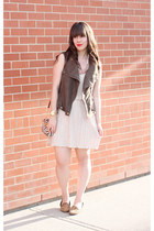 neutral Forever 21 dress - olive green Forever 21 vest