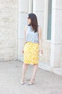 Heather-gray-acne-top-mustard-floral-print-loft-skirt