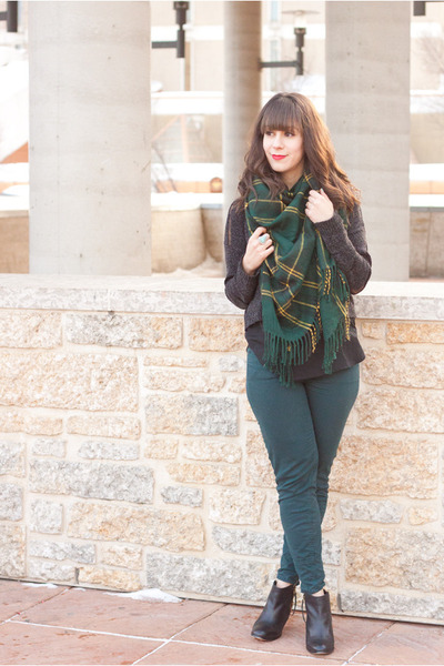 dark green plaid Urban Outfitters scarf - black ankle boots Aldo boots