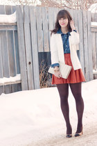 carrot orange leather Alice & Olivia skirt - white H&M blazer