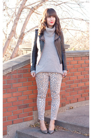 black leather Zara jacket - peach cheetah print Joes Jeans jeans