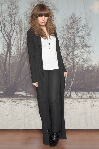 dark gray allsaints cardigan - white H&M top - black new look boots