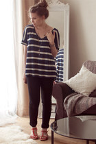 navy striped New Yorker t-shirt - black skinny River Island jeans