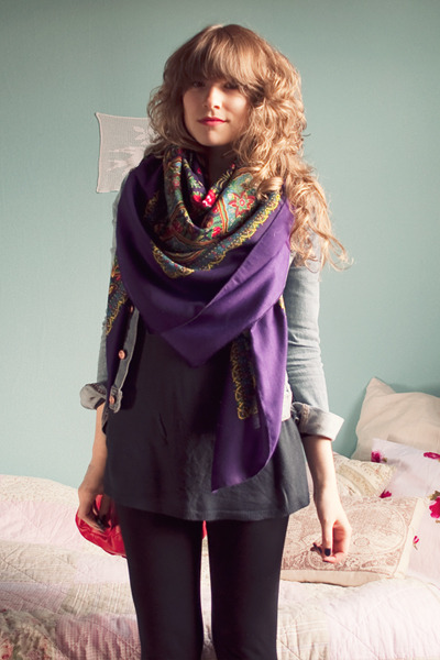 blue H&M jumper - purple H&M scarf - red Bershka bag - black new look leggings -
