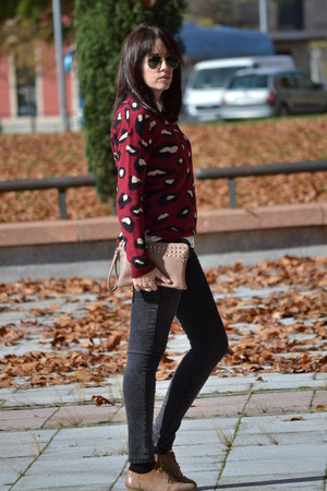 Lefties sweater - Stradivarius jeans - suiteblanco bag