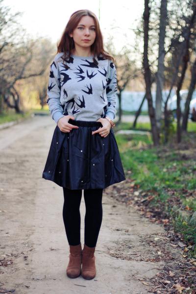 black PERSUNMALL skirt - brown Mango boots - silver aupie sweatshirt