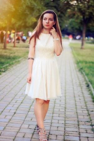 ivory Chi Chi London dress