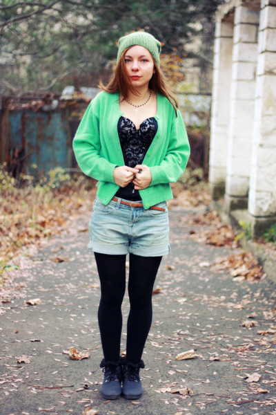 black Vedette bra - light blue romwe shorts