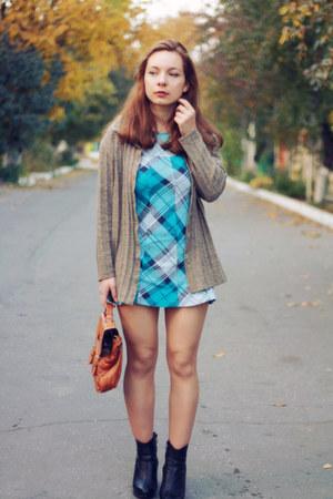 sky blue H&M dress