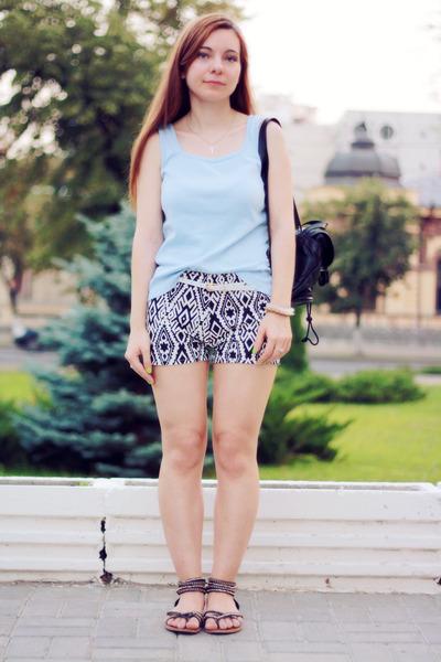 black chicnova shorts - sky blue Street One t-shirt