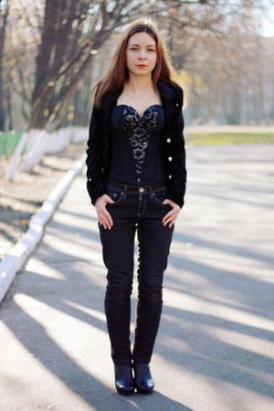 black Vedette bra
