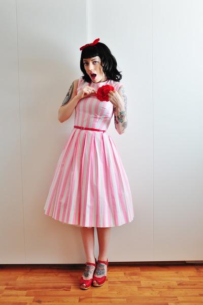 60s vintage dress - Swedish Hasbeens clogs
