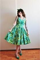 50s green vintage dress - green pumps