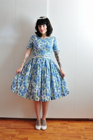 blue floral vintage dress